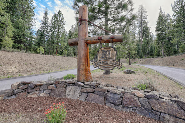 8154 Villandry Dr Truckee CA-034-19-Entry-MLS_Size